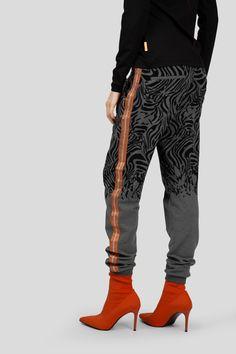 Parachute Pants, Active Wear, Yoga, How To Wear, Fashion, Clothing, Moda, Fashion Styles, Fashion Illustrations