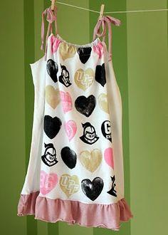 DIY T-Shirt Dress Tutorials & pillow case dresses @Rochelle Weeks Campbell...this is what u need ... pillowsntoast.com
