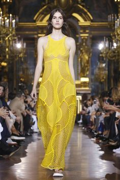 Stella Mccartney Ready To Wear Spring Summer 2016 Paris - NOWFASHION