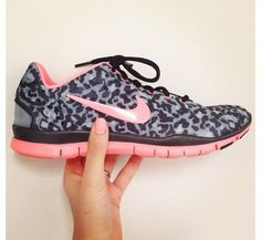 low priced f4eb3 72a58 Cheetah Nike Running Shoes Pinterest   Collect Collect this now for later  Caftan, Tenue De
