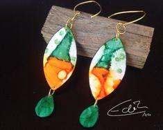 Freue mich, euch diesen Artikel aus meinem Shop bei #etsy vorzustellen: Ohrringe in Grün- und Orangetönen, handbemalt und handgefertigt #orange #ohrringe #extravagant Shops, Artisan Jewelry, Drop Earrings, Etsy, Fimo, Boho Earrings, Schmuck, Craft Gifts, Handmade
