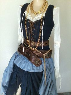 Womens Pirate Costume 10 Pieces Gold by PassionFlowerVintage Female Pirate Costume, Pirate Halloween Costumes, Diy Pirate Costume For Women, Pirate Garb, Pirate Dress, Authentic Pirate Costume, Teen Costumes, Woman Costumes, Princess Costumes