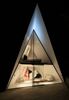 Amazing Spaces loves the 'tent house' holiday retreat on Waiheke A Frame Tent, A Frame Cabin, A Frame House, Villa, Casa Patio, Journal Du Design, Design Exterior, Interior Design, Cool Tents