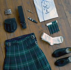 The Casual Kilt outfit is a classic, traditional option for your Scottish Wedding. Its lightweight nature is perfect for those of you getting married abroad!