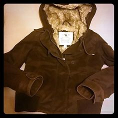 Ambercrombie  jacket sz small Brown very heavy soft fur lined brown jacket , zips up also buttons up has 2 pockets and on on the arm , this was only worn once Abercrombie & Fitch Jackets & Coats Utility Jackets