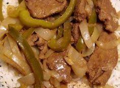 Esta versión cubana del Hígado a la italiana es ideal para acompañar con Puré de papas o Arroz blanco, así como también con Frijoles Negros y Ensalada de Aguacates.
