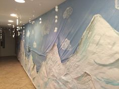 Mountains on a wall (less the snow) Winter Wonderland Theme, Winter Wonderland Christmas, Winter Theme, Arctic Decorations, School Decorations, Frozen Party Decorations, Operation Arctic, Everest Vbs, Vbs Themes
