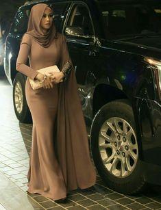 PRETTY MUSLIMAH - #hijab #Muslimah #Pretty Abaya Fashion, Modest Fashion, Fashion Dresses, Muslim Women Fashion, Islamic Fashion, Hijab Outfit, Hijab Dress, Mode Turban, Mode Abaya