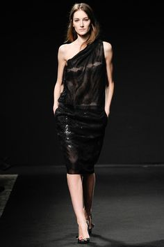 No. 21 Fall 2014 Ready-to-Wear Collection Slideshow on Style.com