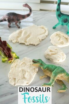 Tutorial to make your own DIY salt dough dinosaur fossils! Just follow this easy 1-minute video. You'll need just 3 easy ingredients and a few toys! (AD)