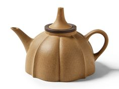 For connoisseurs, the only teapot worth keeping is a Zisha teapot. Unglazed to keep the clay body porous, the essence of each tea slowly absorbs into the pot it