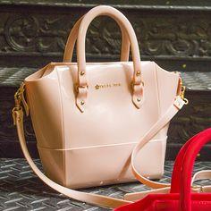 9df5e6b263 Bolsa mini tote bag  sua mais nova preferida! www.petitejolie.com.br · Petite  Jolie ...