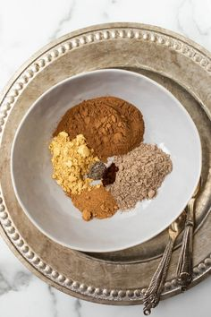 chai spices separated in gray bowl over silver platter Homemade Syrup, Homemade Spices, Chai Spice Recipe, Spice Mixes, Spice Blends, I Love Chocolate, Chocolate Chip Muffins, Plant Based Eating, Cooking Recipes