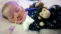 Charlie Gard: US medic says he can achieve 10% improvement https://tmbw.news/charlie-gard-us-medic-says-he-can-achieve-10-improvement  An American doctor offering to treat terminally ill Charlie Gard has told the High Court there is a 10% chance he could improve the baby's condition.The 11-month-old has a rare genetic disorder and severe brain damage which doctors at Great Ormond Street Hospital (GOSH) had said was irreversible.In April, the High Court ruled that life support should be…