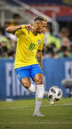 Neymar jr on skilly Brazil Football Team, Ronaldo Football, Best Football Players, World Football, Soccer Players, Cr7 Messi, Neymar Psg, Messi Soccer, Nike Soccer