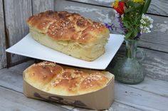 Brioche au yaourt Arabic Food, Bagel, Breakfast Recipes, Biscuits, Muffins, Food And Drink, Sweets, Cooking, Nature