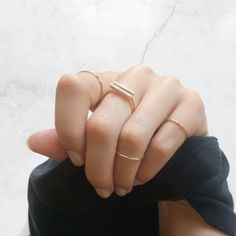 Vrai & Oro // Diamond Line Rings