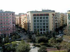 """Napoli. Giardini piazza Medaglie d'Oro, Capodanno: """"Tante chiacchiere e niente fatti"""""""