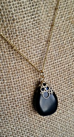 Black and Gold Drop Pendant Necklace