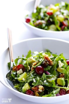 This Grape, Avocado and Arugula Salad is full of amazing, fresh flavor. And it's easy to make. And naturally gluten-free. And SO GOOD! | gimmesomeoven.com