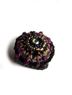 •••+Häkelring+mit+funkelndem+Glasstein+•••+von+crochet.jewels+auf+DaWanda.com
