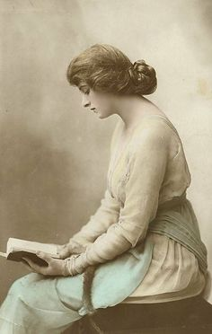 Photo from the Huldon Archive of English stage and film actress Dame Gladys Cooper (1888 - 1971) reading a book.