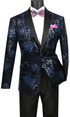 Luxurious single breasted sport coat Made in a fancy velvet fabric, slim fit sport coat Featuring satin peak collar, side vents & floral velvet Vinci men collection fall 2018 Prom Blazers, Blazers For Men, Mens Fashion Suits, Mens Suits, Blazer Outfits Men, Men Blazer, Blazer Jacket, Suits Direct, Designer Suits For Men