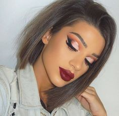 This eye makeup indeed requires some skills but can we just say Wowza! #cutcrease #eyemakeup #browneyes #eyeshadow
