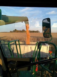 Farm Week in Pictures 10/18/14 http://thefarmerslife.com/farm-week-in-pictures/farm-week-pictures-10182014/ We've been out of our fields due to wet weather all week, but on Sunday afternoon we got back in the field for a few hours of popcorn harvest.