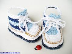 Es werden ja sehr viele Babyschuhe in Turnschuhoptik angeboten, entweder gehäkelt oder gestrickt. Das besondere an meinen Babyschuhen ist, dass sie...