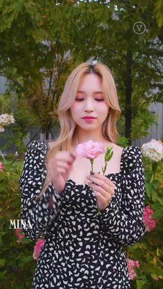 Kpop Girl Groups, Korean Girl Groups, Kpop Girls, Nayeon, My Girl, Cool Girl, Twice Video, Sana Cute, J Hope Dance
