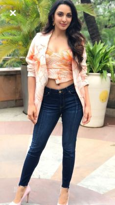 Kiara advani cutest bollywood tempting insane beauty face unseen latest hot sexy images of her body show and navel pics with big cleavage an. Indian Bollywood Actress, Bollywood Actress Hot Photos, Bollywood Girls, Beautiful Bollywood Actress, Bollywood Celebrities, Beautiful Actresses, Beautiful Girl Indian, Most Beautiful Indian Actress, Beautiful Gorgeous
