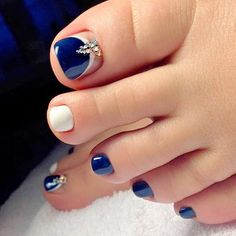 Top 40 Gorgeous Toe Nail Art Collections Hey my beautiful ladies! There are so many versatile Toe Nail Art Collections , depending on the colors, patterns or themes you used, as well as depending o… Looking for new and creative toe nail designs? Blue Toe Nails, Pretty Toe Nails, Toe Nail Color, Summer Toe Nails, Toe Nail Art, Nail Colors, Blue Toes, White Toenails, Pretty Pedicures
