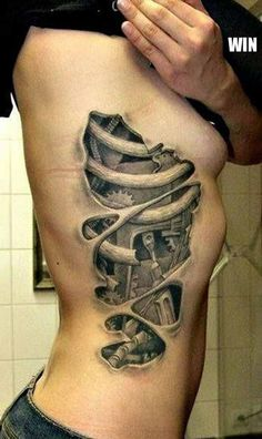 One of my favorite biomech designs. The ribcage would hurt so much though. Amazing detail and shading.
