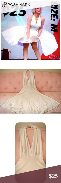 "Pin Up Marilyn Style Dress Pleated 50s Girl White Pin Up Marilyn Style Dress Pleated Bust 36"" Waist: 28"" ▶CONDITION: ALMOST NEW, USED FOR PHOTOSHOOT ▶BELT NOT INCLUDED ▶BELT LOOPS ON WAIST #C14 Vintage Dresses"