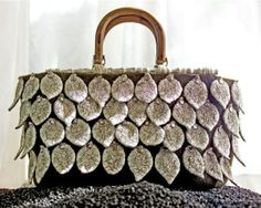 DIY Silver Leaf Satchel by Marta McCall. Pattern avaialble for this great bag. via Tinkknit