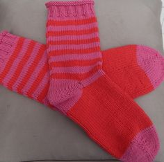 Hand Knitted Socks in 50% Cotton, 50% Acrylic yarn, pink & red, size medium £9.95
