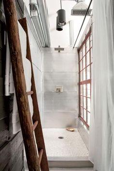 Ladder shelf for hangin towels