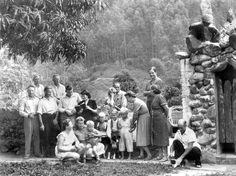 ETA_0001.jpg - Penedon suomalaisia pyhäpäivän vietossa 1952.