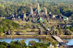 Description and history of Angkor Wat temple, one of the largest religious monuments ever constructed. Source: Angkor Wat: History of Ancient Temple Laos, Angkor Wat, Places To Travel, Places To Visit, Travel Destinations, Thailand, Temple City, Temple Ruins, Cruises
