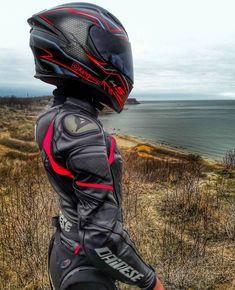 Save by Hermie - - Auto und Mädchen - Motos Motorcycle Suit, Motorbike Girl, Moto Bike, Dirt Bike Girl, Girl Bike, Lady Biker, Biker Girl, Fille Et Dirt Bike, Motorbikes Women