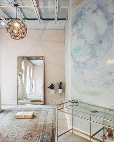 Minimalist modern interior design firm Stewart-Schafer shares their tips for getting their signature style! Bridal Boutique Interior, Boutique Decor, Boutique Ideas, Shop Interiors, Office Interiors, Shop Interior Design, Interior Decorating, Retail Design, Store Design