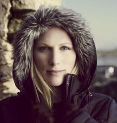 Zara Phillips, is the second child and only daughter of Princess Anne is a face of outdoor clothing and sportswear brand Musto for their latest Spring 2009 ad campaign. Celebrity Couples, Celebrity Weddings, Celebrity News, Elizabeth Philip, Queen Elizabeth, Princess Margaret, Princess Mary, Team Gb Equestrian, Mike Tindall