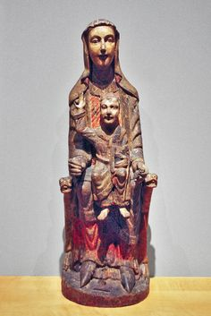 Virgen románica. Mare de Déu amb el Nen.  Segovia Siglo XIII. Museo Frederic Marés