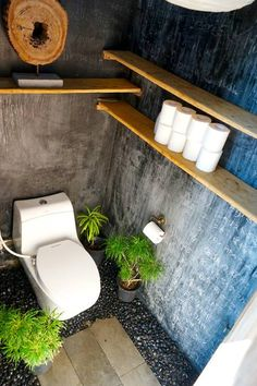 Zen Hideaway - with the world famous sunrise - Huts for Rent in Abiansemal Badung Regency, Bali, Indonesia Outdoor Toilet, Outdoor Baths, Outdoor Bathrooms, Cafe Shop Design, House Design, Tyni House, Blackboard Wall, Bamboo Bathroom, Bamboo House