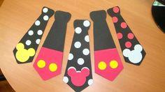 Corbatas De Mickey Mouse Bs.F.40 T1NzI - Precio D Venezuela Mickey Mouse Pinata, Fiesta Mickey Mouse, Mickey Minnie Mouse, Disney Mickey, Mickey Birthday, Mickey Party, First Birthday Parties, First Birthdays, Michey Mouse