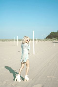 Beach blonde  (by Rachel Lynch) http://lookbook.nu/look/3935888-beach-blonde