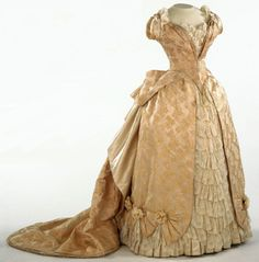1886-87 French evening gown from the Philadelphia Museum of Art.