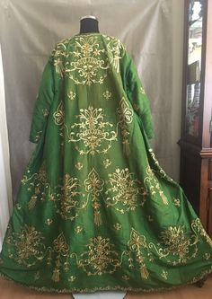19th ANTIQUE OTTOMAN-TURKISH GOLD METALLIC DIVAL HAND EMBROIDERIED BRIDAL DRESS 2