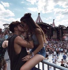 Relationship Goals Pictures, Couple Relationship, Cute Relationships, Tumblr Couples, Teen Couples, Cute Couples Goals, Couple Goals, Photos Couple Mignon, Cute Couple Pictures